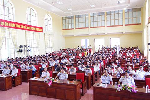 Các đại biểu, cán bộ, chiến sĩ, đoàn viên, thanh niên tham dự hội thi