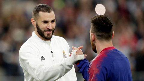 Benzema phả hơi nóng vào gáy Messi trong cuộc đua Pichichi