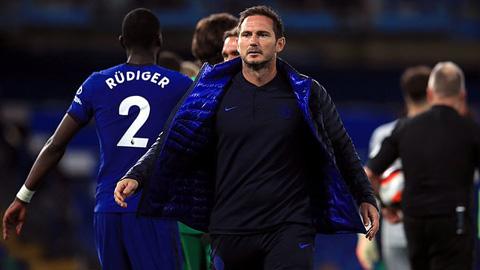 Cuộc đua top 4 Ngoại hạng Anh: Thắng Norwich, Chelsea vẫn run rẩy