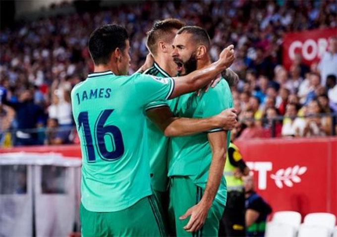 Benzema là một trong những cầu thủ chơi nổi nhất của Real mùa này