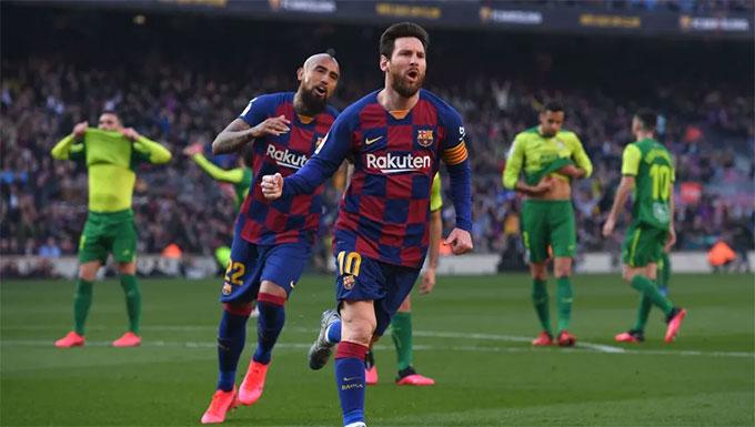 """Messi đóng góp 4 bàn vào thắng lợi """"5 sao"""" của Barca trước Eibar"""