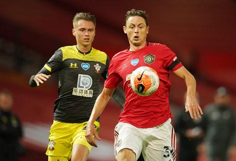 Ở trận hòa Southampton vòng trước, M.U (trước) đã giữ bóng không tốt và chuyền hỏng quá nhiều