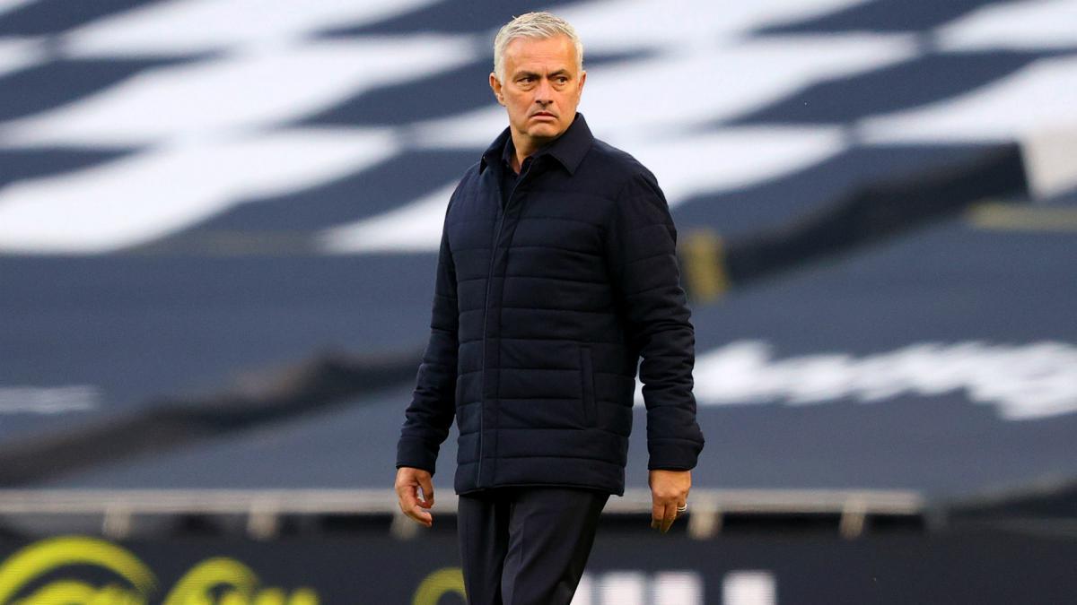 Mourinho đã tấn công Man City bởi CLB làm đúng những gì Chelsea của ông trước đây đã làm
