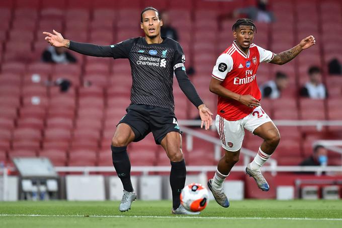 Van Dijk mắc sai lầm trong bàn gỡ hòa 1-1 của Arsenal