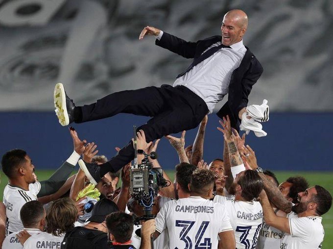 Zidane lại giúp Real đoạt vinh quang