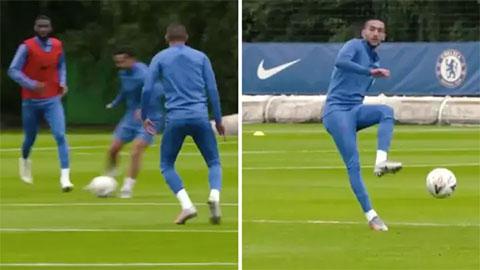 Hakim Ziyech 'sắc như dao cạo' ở buổi tập nhóm đầu tiên với Chelsea