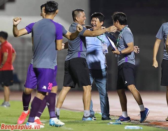 Với 22 điểm sau 10 vòng đấu, Sài Gòn FC cách đội xếp thứ 9 tới 10 điểm trong khi lượt đi chỉ còn 3 vòng đấu nữa