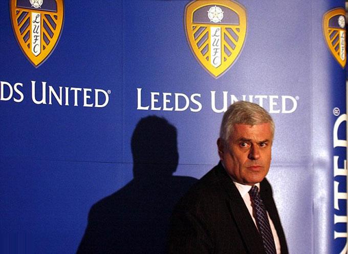 Sai lầm của Chủ tịch Peter Ridsdale đã khiến Leeds rơi vào cuộc khủng hoảng tài chính trầm trọng