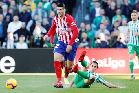 Morata (trước) đã sẵn sàng nổ súng giúp đội nhà vượt qua Sociedad