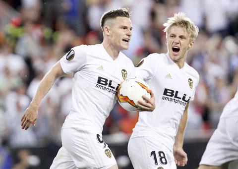 Valencia buộc phải thắng để nuôi hy vọng dự Europa League