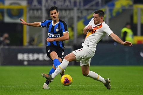 Candreva (trái) và đồng đội tại Inter đủ sức đánh bại Roma ngay trên sân khách