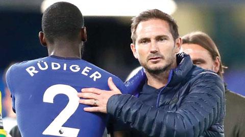 Lampard cảnh báo học trò về hàng công đáng sợ của M.U