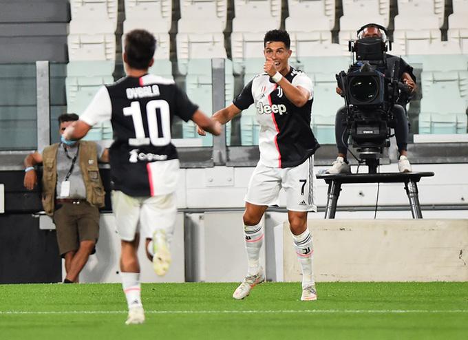 Ronaldo lập cú đúp chỉ trong vòng 3 phút