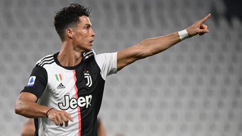 Ronaldo phá kỷ lục tồn tại 25 năm tại Serie A