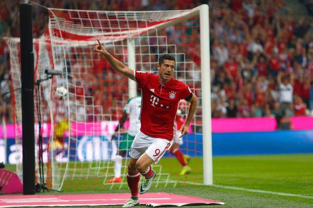 Cứ trung bình 109 phút thi đấu, Lewandowski  lại có 1 bàn thắng và như thế suốt 10 năm qua