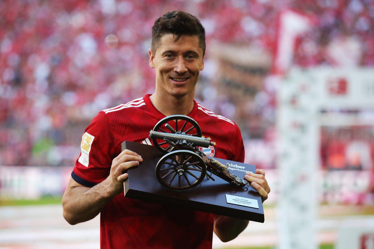 Lewandowski  đang dẫn đầu danh sách ghi bàn với 52 bàn tính đến thời điểm này