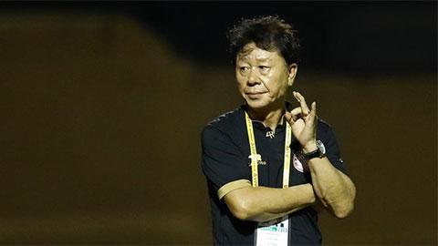 Chung Hae Seong: 'TP.HCM thua là lỗi HLV, nhưng trọng tài bắt ép'