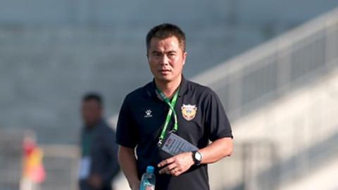 HLV Phạm Minh Đức: 'Ông Park xem 2 cầu thủ của tôi mà họ đá chán quá'