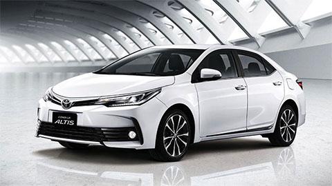 """Toyota Corolla Altis giảm giá cực mạnh tại VN, xuống mức """"đáy"""" mới đe Mazda 3, Honda Civic"""