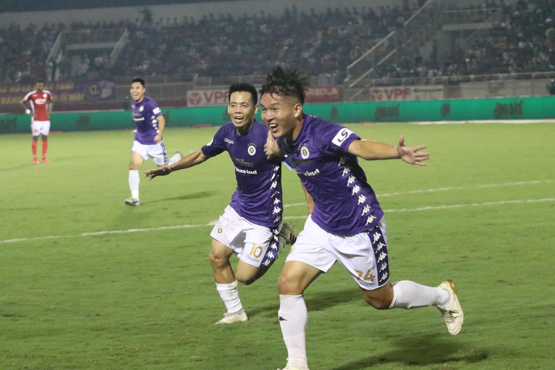 Thái Quý rực sáng sau khi vào sân thay Quang Hải với 1 bàn thắng, 1 kiến tạo - Ảnh: Hữu Thành
