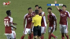 TP.HCM mất oan 2 quả penalty trước Hà Nội