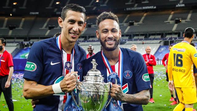 Neymar (phải) ghi bàn duy nhất mang về chiến thắng cho PSG