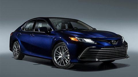 Toyota Camry 2021 ra mắt với nhiều nâng cấp đáng giá, đối đầu Honda Accord, Mazda 6