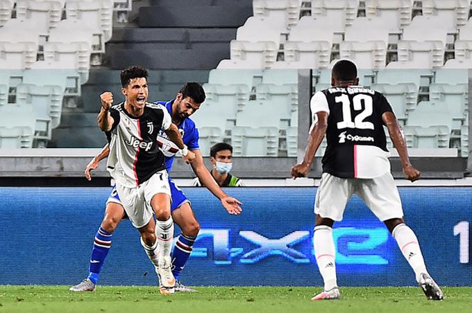 Ronaldo mở tỷ số ở phút bù giờ thứ 6 của hiệp 1