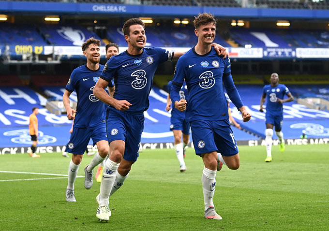Chelsea: Một màu xanh hy vọng được vẽ nên từ nhiệt huyết của ...