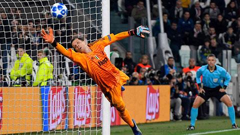 Juventus thủng lưới 38 bàn sau 36 vòng: Nhà vô địch có hàng thủ tệ nhất