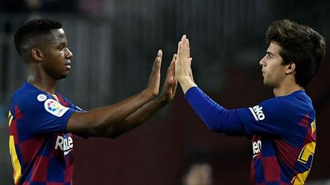 Sự xuất hiện của Pedri (giữa, ảnh chủ) và các cầu thủ trẻ từ Barca B như Fati hay Puig (phải) sẽ giúp Barca thăng hoa hơn ở mùa tới