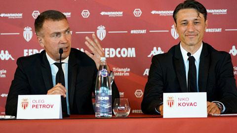 HLV Niko Kovac (phải)trong ngày ra mắt Monaco