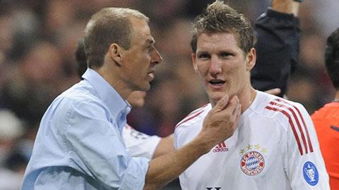 Bayern từng suýt mất Schweinsteigervì Klinsmann