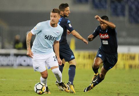 Milinkovic-Savic (áo sáng) và đồng đội sẽ được ăn mừng chiến thắng trên sân của Napoli