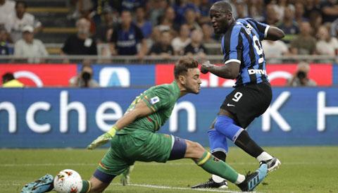 Với quyết tâm cao hơn, Inter (phải) đủ sức giành ít nhất 1 điểm trên sân của Atalanta