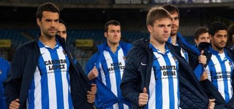 Sociedad gây sốc khi in tên CĐV lên áo đấu
