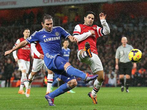 Họ đã đối đầu rất nhiều lần, kể từ khi còn làm cầu thủ đến lúc ngồi trên băng ghế chỉ đạo, và Lampard (trái) luôn thành công hơn Arteta