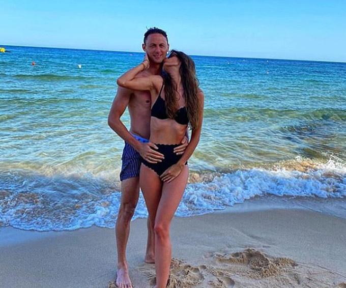 Matic và cô vợ xinh đẹp Aleksandra Pavic