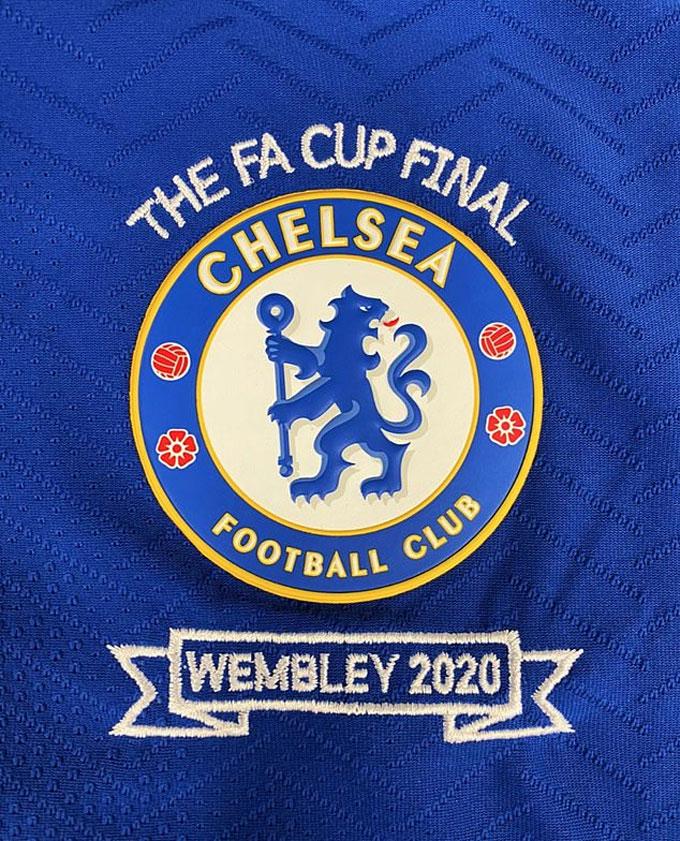 Chelsea cũng không kém cạnh
