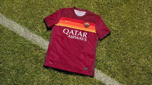 Trang phục sân nhà của AS Roma