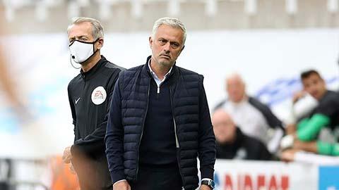 Mourinho & Tottenham tức điên vì Arsenal vô địch FA Cup