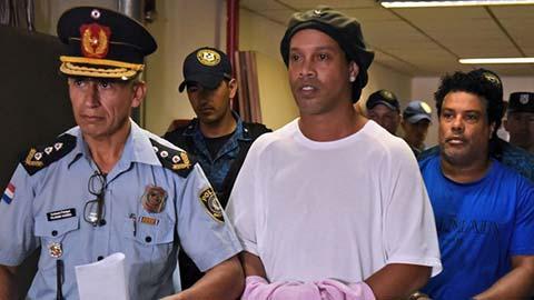 Ronaldinho sắp hết án quản thúc, sẽ sang Tây Ban Nha định cư