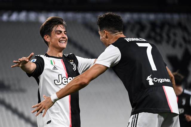 """7 ngôi sao đã chấp nhận làm """"phông nền"""" cho Ronaldo toả sáng"""