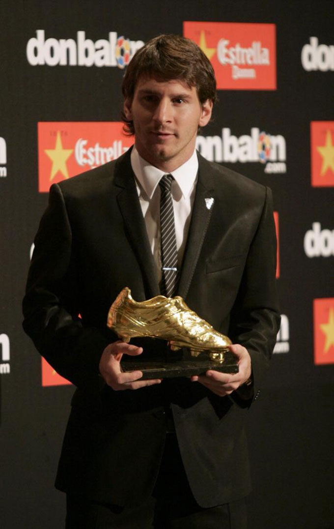 Vua giày vàng, Lionel Messi, người đã có 6 giải thưởng. Lần đầu tiên anh đến vào mùa 2009/10 với 34 bàn thắng trước khi giành lại vào các mùa 2011/12 (50 bàn), 2012/13 (46 bàn), 2016/17 (37 bàn), 2017/18 (34 bàn) và 2018/19 (36 bàn).