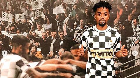 Vừa rời M.U, sao trẻ được trao áo số 10 ở đội bóng mới