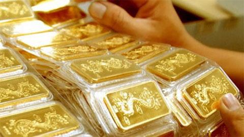 Giá vàng hôm nay 7/8: Liên tục phá đỉnh, sắp chạm ngưỡng 2.100 USD/ounce