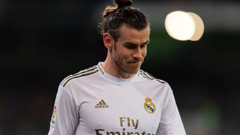 Anh còn bị NHM Real bầu chọn là Cầu thủ tồi tệ nhất mùa giải này