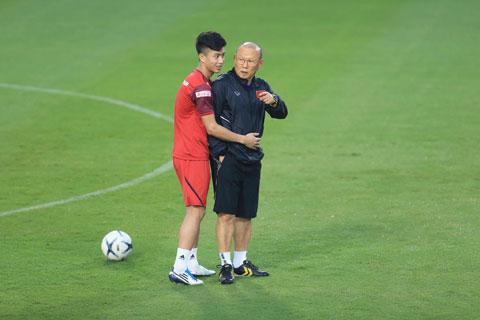 Hàng tiền vệ có thể yên tâm với những cầu thủ như Văn Đức Ảnh: Đức Cường