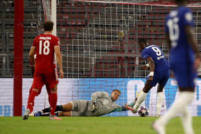 Abraham ghi bàn danh dự cho Chelsea