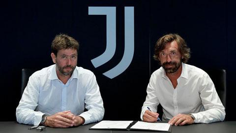 Chủ tịch Juventus, Andrea Agnelli trái đánh giá rất cao những phẩm chất cá nhân của HLV Andrea Pirlo (phải)